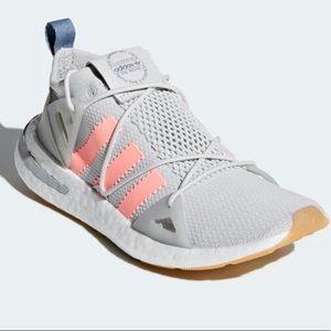 NWT Adidas Arkyn Sneakers